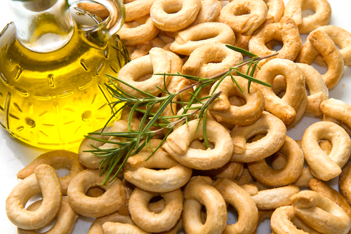 Simple recipe for making taralli